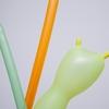 長い風船を飲み込む!「風船飲み」は手軽な準備でバッチリウケるパーラーマジック!