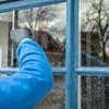 簡単に綺麗に出来る!吹き抜けの窓も簡単に掃除できる方法とは?