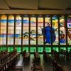 聖なる物語の美麗ステンドグラス 神さまの祝福 カトリック玉造教会 大阪カテドラル聖マリア大聖堂