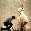 アートの定義を壊すファッション。アンドリュー・ロッシ監督が映画『メットガラ』について語ったこと