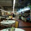 香港地元飯、ダイパイトン、熟食中心:菜膽雞(蒸鶏とお野菜のとろみ餡かけ)魚の唐揚塩胡椒風味(官涌熟食中心