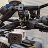 単気筒の振動も無問題なFDR-X3000の最強マウント方法を発見