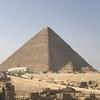 エジプトでピラミッドを見たりしてきた