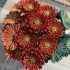 つまみ細工  松と一緒に豪華絢爛な菊✨