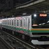 夜の横浜駅にてダイヤ改正で去り行く通勤列車を撮る