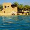 砂漠の中にあるプール@バブアルシャムスリゾート