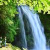 国道から見える名瀑 慈恩の滝(じおんのたき)