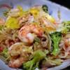 【レシピ】味付つけは塩麹と白コショウだけ!海鮮と野菜の塩麹炒め