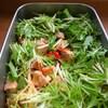 鶏肉としめじ パプリカの水菜サラダ