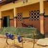 アフリカ、ベナンの小中学校で清掃コンクール!