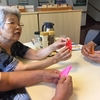 ランランボランティアクラブ、オープンスクール 折鶴を折りに老人福祉センターへ