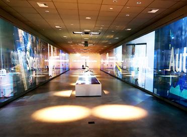 リアルな「対面」と「対話」が強力な武器に。ビジョンを共有できる最先端のブリーフィングセンターが竹芝に誕生