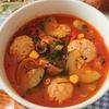寒い朝に、モッツァレッラ入りミートボールのトマトスープ