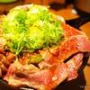 デカ盛りのユッケ風レアステーキ丼を食べてきた@1ポンドのステーキ ハンバーグ タケル秋葉原店