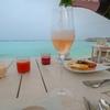 モルディブの朝にシャンパン飲み放題 贅沢にチーズとスムージーも!@ミライドゥ