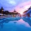 8月突入!都内の高級ホテルのナイトプール!リッチに優雅に夏を楽しみたい★デブなので、ナイトプールにいけない