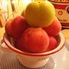 桃が…(´台 `;)
