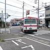 いまも1時間に1本のバスがむすぶ平坂港