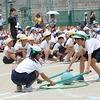 運動会⑪ 2・4年生:ペア競技「ボールをはさんでペアでGO!!」
