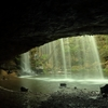 鍋ヶ滝の内側からの風景です。