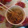 武漢のソウルフード熱乾麺について語る