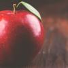 リンゴに罵声を浴びせたり、褒めちぎったり そこには深いワケが・・・