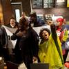 スタバ店での黒人逮捕問題で、偏見をなくす従業員研修を実施