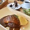 ふわっふわのオムライスでゲストを魅了する【SLOW cafe】でごゆるりと