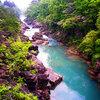 【厳美渓で感動体験!】奇岩、エメラルドグリーンの水、山の緑が超絶景、空飛ぶ団子もおすすめ!