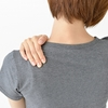 【猫背や肩こりで悩んでる方に】肩甲骨を動かして背筋を伸ばすエクササイズ