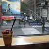 NY旅行記 おすすめの朝食 デリのイートインでいただく シリアルフルーツヨーグルトいちご味^^
