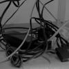 山崎実業の「ケーブルボックス ウェブL」でディスプレイ裏のケーブル・スパゲッティを解決