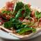 「山猫式 マルゲリータ・ピザ パルマ産生ハムとルッコラを添えて」のご紹介