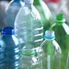 ほとんどのペットボトルは新しいボトルにリサイクルされません