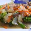 幸運な病のレシピ( 1846 )朝:ブロッコリと牛肉(八宝菜風)、鮭、味噌汁、マユのご飯