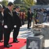 ◇韓国・国立顕忠院に献花する野田総理