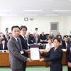 22日共産党地方議員団が県率高校改革について県教委に要望書提出し交渉。