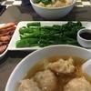 菊花園麺家で定番セットと蜂蜜チャーシュー@【Gokfayuen Bangkok】トンロー通り ソイ9