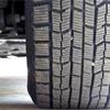 タイヤに挟まった小石は自分でとっても良いのか