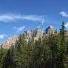 大自然に囲まれたキャッスルマウンテン・シャレーについて解説 カナダワーホリ