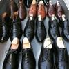 大量の革靴達と塩豚と日本酒。