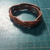 【レザークラフト作品】(型紙有) ハギレで作れるマジック編みブレスレット 編み方・作り方解説します。