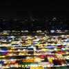 バンコクで見つけた宝石箱のようなナイトマーケットの夜景!!タラートロットファイラチャダーの行き方完全攻略!