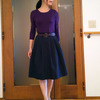 紺色コーデを艶っぽくする紫の組み合わせ