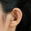 お母さんが耳が悪く治してあげたいと子供心に思った。