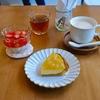 浜町の「おやつのこぼく」でレモンのタルト、いちごのミルクゼリー。
