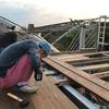 【畑】ただいま屋根を取り付け中 〜失敗にもめげません!〜