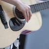 【写真解説】ギターコードストロークの右手の動かし方のコツや注意点。力の抜き方など