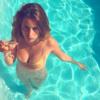 この夏、Instagramを席巻した新ソーシャルスター、25才の美人パリジェンヌの正体が判明