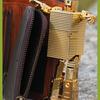 【革とライタン1】TOUGH (55561)  イタリア本革 二つ折り財布